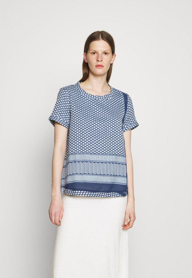 T-shirt con stampa - twilight blue