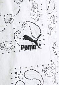 Puma - Shorts - white - 2