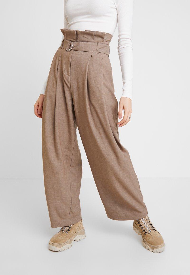 Weekday - PEYTON PAPERBAG TROUSER - Trousers - dark mole