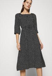 LASCANA - MIDIKLEID - Day dress - schwarz/weiß - 3