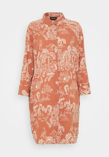 MOA RAGLAN SHIRTDRESS