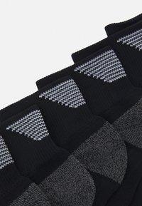 Skechers Performance - MENS PERFORMANCE QUARTER 6 PACK - Sports socks - black - 1