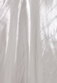 BCBGMAXAZRIA - EVE LONG DRESS - Galajurk - silver - 2