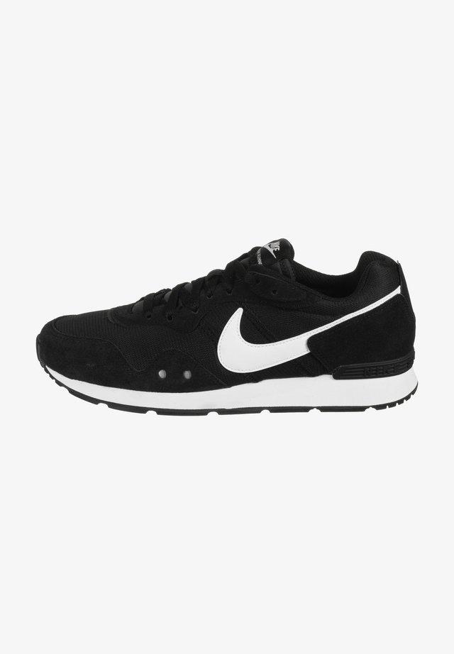 VENTURE - Sneakers laag - black/white