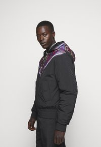 Versace Jeans Couture - CRINKLE  - Light jacket - nero - 5