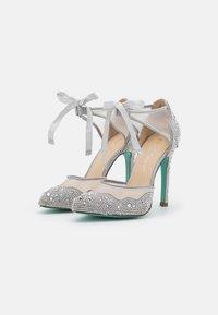 Blue by Betsey Johnson - IRIS - Classic heels - silver - 2