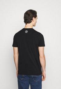 Carlo Colucci - BLOCK - Print T-shirt - black - 2