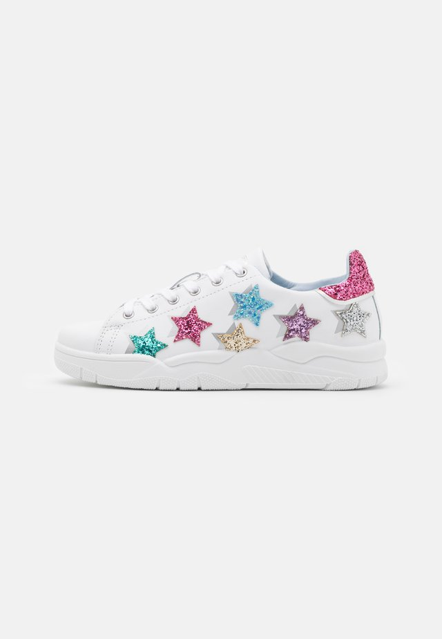ROGER SHADE STARS - Sneakersy niskie - white/multicolor