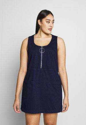 PINAFORE DRESS - Denim dress - indigo