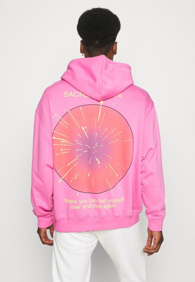OVERSIZED STEFY HOODIE - Bluza z kapturem - pink