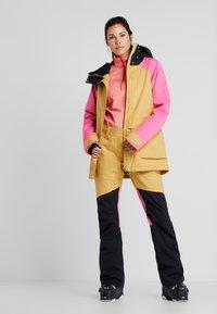 Wearcolour - BLAZE JACKET - Snowboardjakke - sand - 1