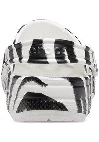 Crocs - ANIMAL PRINT  - Zuecos - white / zebra print - 2