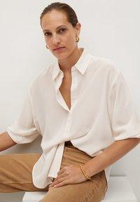 Mango - MADE - Button-down blouse - cremeweiß - 3