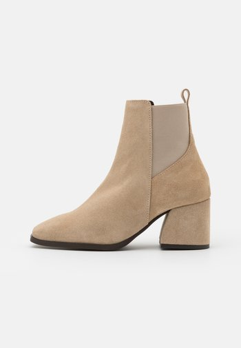 VMESA BOOT - Classic ankle boots - beige