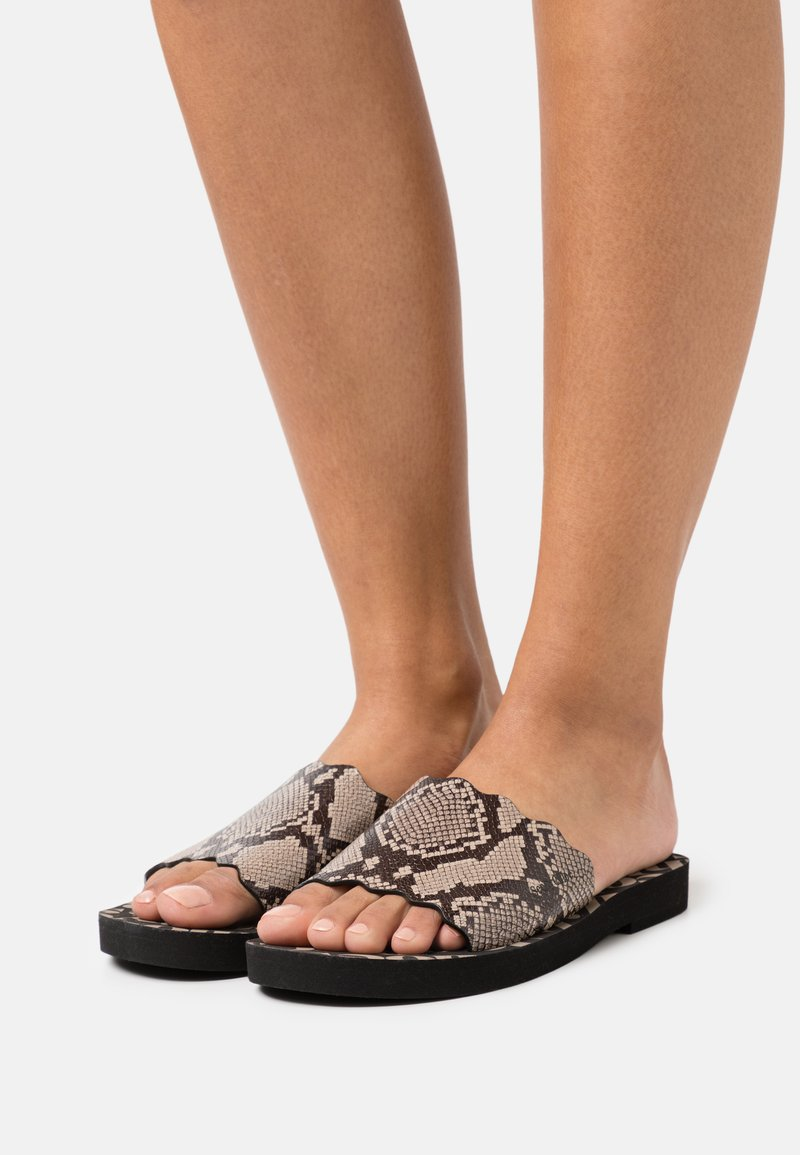 See by Chloé - ESSIE FLAT - Pantofle - medium grey