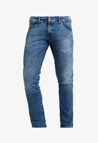 Wrangler - LARSTON - Slim fit jeans - blue - 5