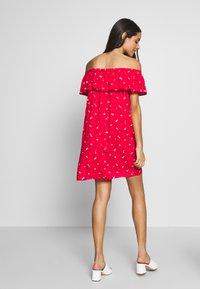 Pour Moi - TEXTURED PRINT BARDOT BEACH DRESS - Ranta-asusteet - red - 2
