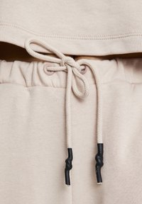 PULL&BEAR - Tracksuit bottoms - rose - 6