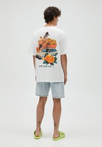 PULL&BEAR - T-shirt con stampa - white - 2