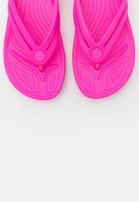 Crocs - CROCBAND - Pool shoes - electric pink - 5