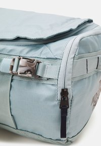 The North Face - BASE CAMP VOYAGER DUFFEL UNISEX - Sac à dos - tourmalineblu/aviatornavy - 7