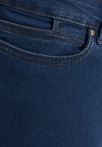 Vero Moda Curve - VMLUDY - Slim fit jeans - blue denim - 4