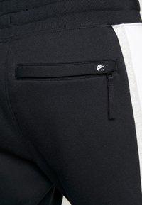 Nike Sportswear - AIR  - Teplákové kalhoty - black/white/grey heather - 5