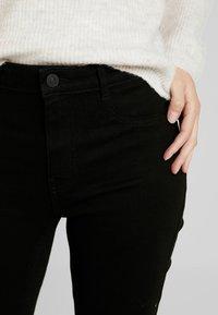 ONLY - ONLFHI MAX LIFE BOX - Jeans Skinny Fit - black denim - 4
