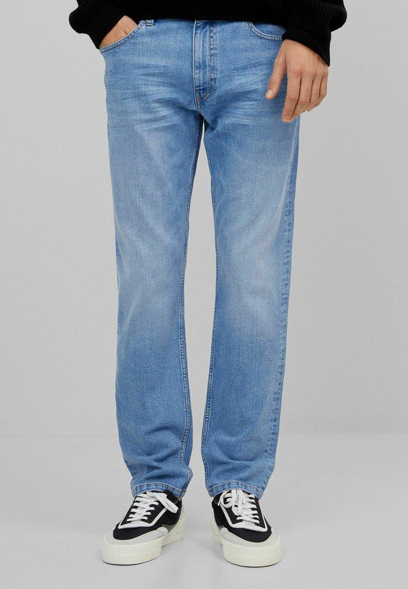 Bershka - Slim fit jeans - blue denim