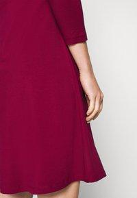 Anna Field - Žerzejové šaty - beet red - 5