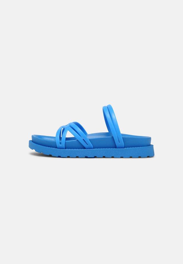 LEIA - Mules - blue