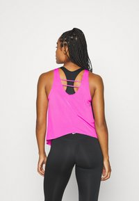 Nike Performance - TANK BREATHE - Funktionströja - fire pink/reflective silver - 2