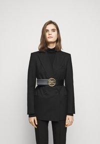 Elisabetta Franchi - RING LOGO BELT - Waist belt - nero - 0