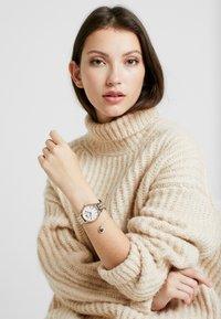 Michael Kors - LEXINGTON SET - Watch - silver-coloured/rose gold-coloured - 0