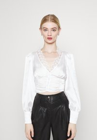 Glamorous - LONG SLEEVE LOW V-NECK BLOUSE - Bluser - white - 1