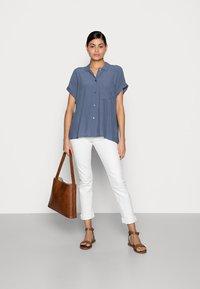 mine to five TOM TAILOR - EASY FIT - Skjortebluser - vintage indigo blue - 1