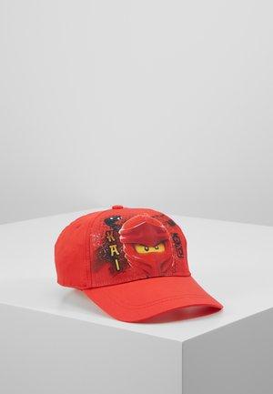 Lippalakki - red