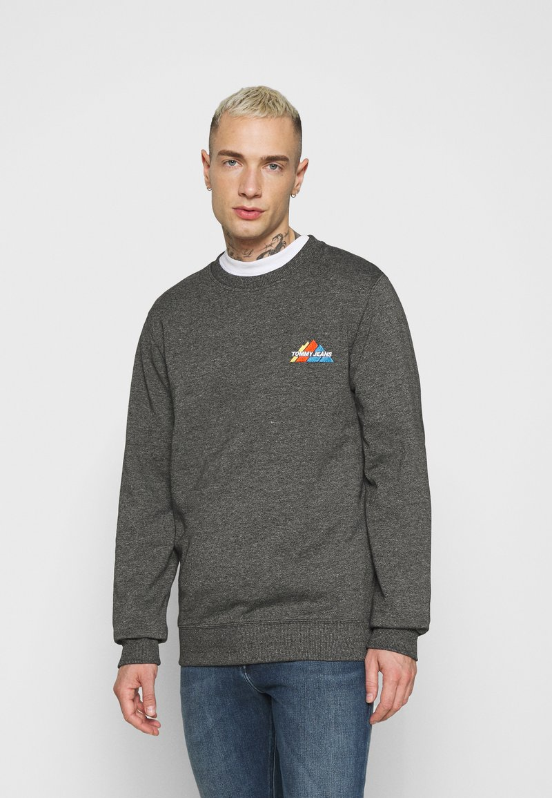 Tommy Jeans - MOUNTAIN GRAPHIC CREW - Sweatshirt - black heather