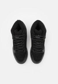 Puma - REBOUND LAYUP UNISEX - Sneakers high - black/castlerock - 3