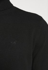 Hollister Co. - TURTLENECK - Pullover - black - 6
