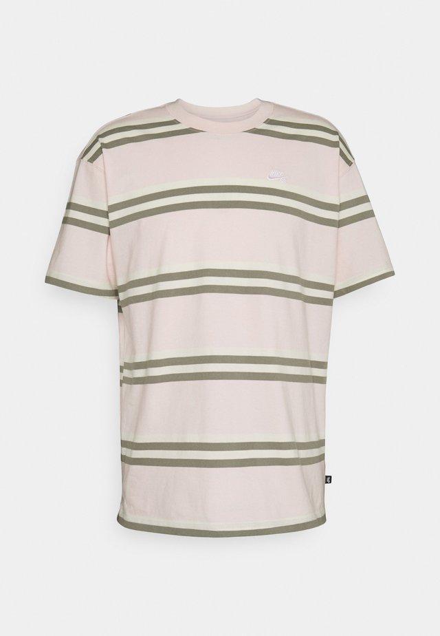 TEE STRIPE UNISEX - Print T-shirt - orange pearl
