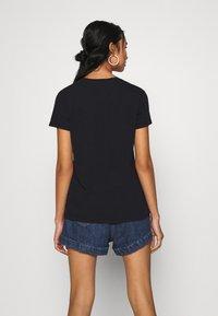 Levi's® - WELLTHREAD PERFECT TEE - T-shirt basic - nightfall black - 2