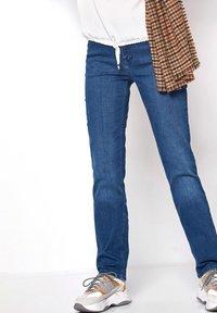 TONI - Slim fit jeans - midblue used - 0