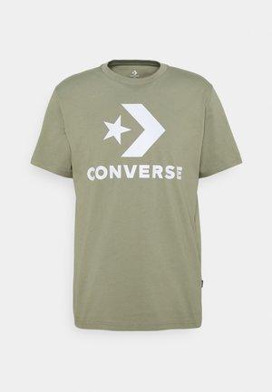 STAR CHEVRON TEE - Print T-shirt - field surplus
