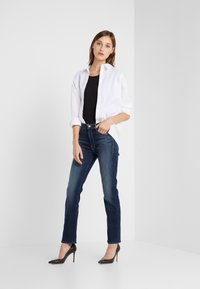 Mother - THE MID RISE DAZZLER ANKLE - Straight leg jeans - on the edge - 1