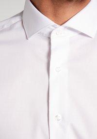 Eterna - UNI STRETCH SLIM FIT - Kostymskjorta - white - 2