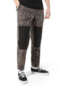 Vans - MN POLAR FLEECE PANT - Pantaloni sportivi - leopard print - 0