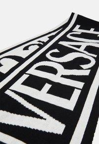 Versace Jeans Couture - UNISEX - Šála - black/white - 3