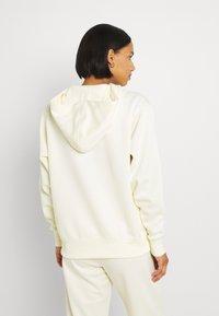 Nike Sportswear - TREND HOODIE - Sweatshirt - coconut milk - 2