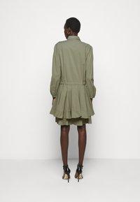 Steffen Schraut - BROOKE FANCY DRESS - Shirt dress - jungle - 2